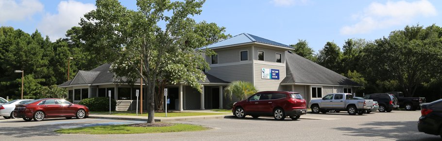 The front entrance of Tidelands Waccamaw Family Medicine